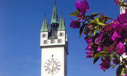 Straubing Stadtturm Guener Markt Ludwigsplatz Foto Amt (c) Tourismus Straubing