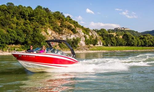 Bratislava Tourismus Speedboat1