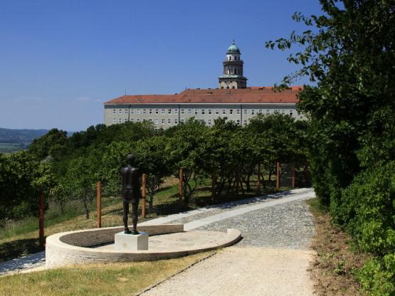 Pannonhalma Abtei Stadt Pannonhalma(c)Ungarisches Tourismusamt