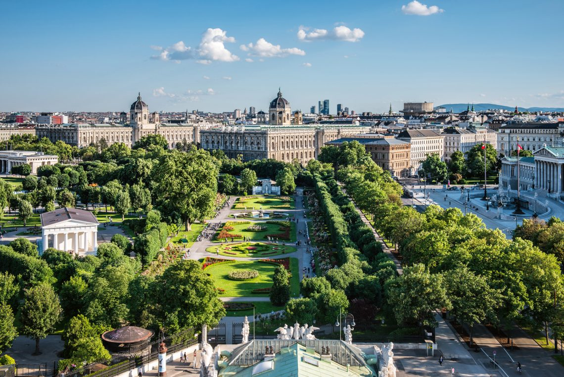 Frühling 3 Blick Auf Volksgarten Museen Und Parlament 40711 Christian Stemper