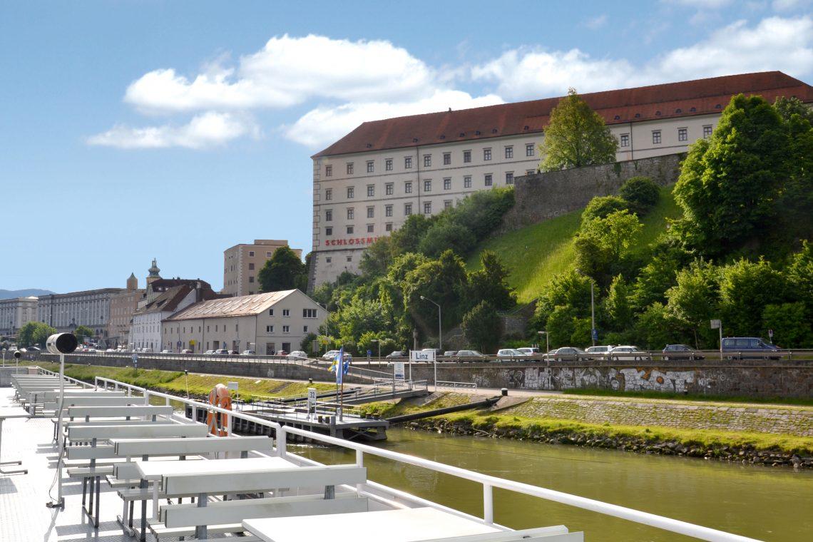 Schloss Donau Schiff©linztourismus Bin