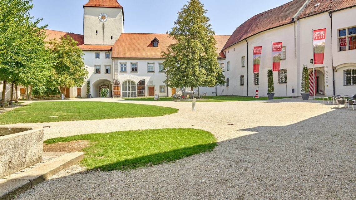 Veste Oberhaus Aeusserer Burghof2 Pedagrafie 2018