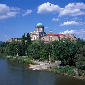 Esztergom Panorama Donau(c)Ungarisches Tourismusamt
