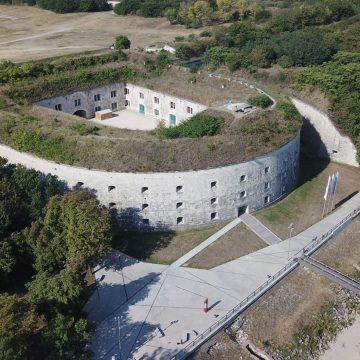 Komárom FestungMonostor S
